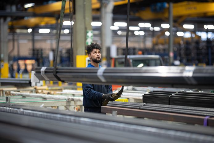 De aanvoer van voldoende metalen is momenteel een grote uitdaging voor metaalgroothandel MCB in Valkenswaard.