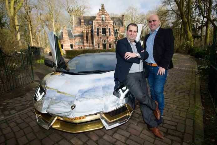 Een van de uitblinkers in het omvangrijke wagenpark van de Azimi's: de goudkleurige Lamborghini Aventador. Voor elk van de broers betekenen de auto's iets anders. Sasan is er daadwerkelijk gek op, voor Salar zijn ze slechts een hulpmiddel op weg naar meer succes.