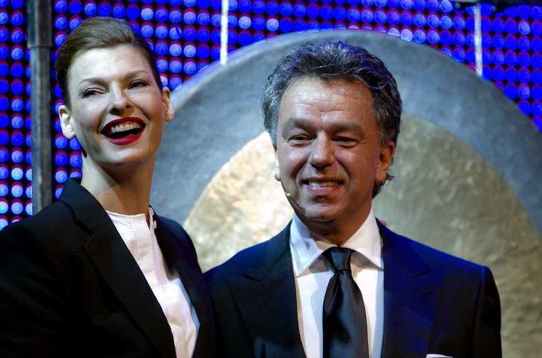 Linda Evangelista en beursorganisator Yves Gijrath. Beeld anp