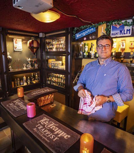 Dit thuiscafeetje in Ootmarsum heeft meer dan 600 soorten drank op voorraad