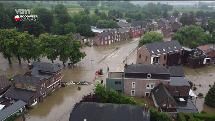 In Moelingen bij Voeren zijn de dijken aan het breken.