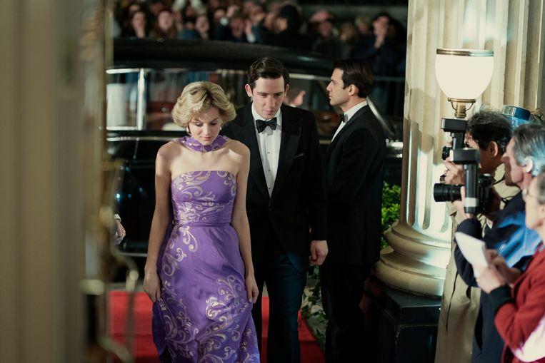 Diana Spencer (Emma Corrin) en prins Charles (Josh O'Connor) in seizoen 4 van The Crown.   Beeld Ollie UptonNetflix