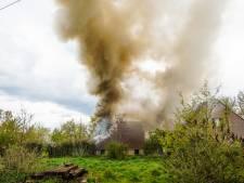 Flinke schuurbrand in Eindhoven, vuur onder controle