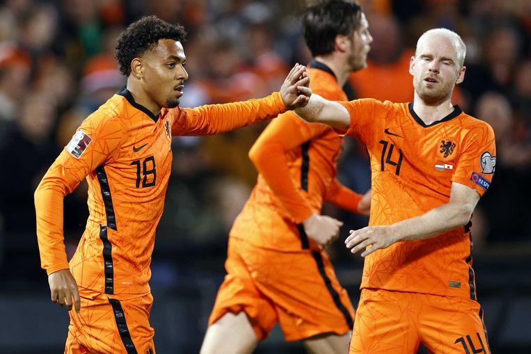 Donyell Malen en Davy Klaassen vieren de 6-0 tijdens de WK-kwalificatie wedstrijd tussen Nederland en Gibraltar.  Beeld ANP
