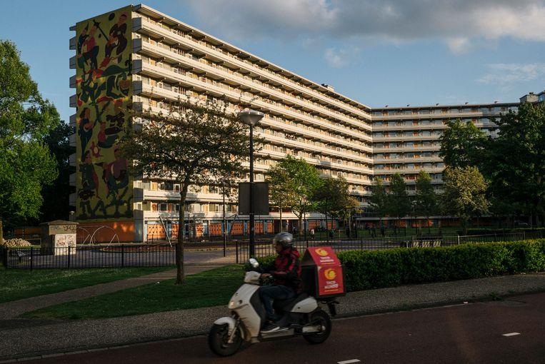 De flats in Ganzenhoef zijn opgeknapt, maar ook hier zijn lange wachtlijsten.  Beeld Marc Driessen