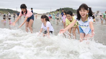 Strand bij Fukushima acht jaar na ramp weer open