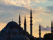 Deux professeurs et une dizaine d'élèves d'une école bruxelloise sont partis clandestinement à Istanbul