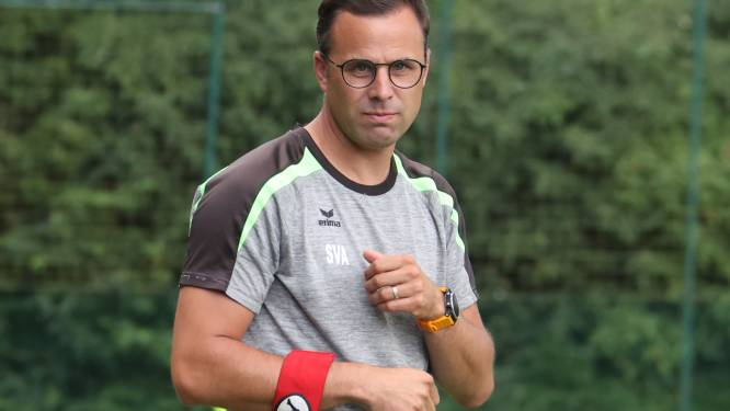 """Stijn Van Acker en SV Veurne staan na drie speeldagen op kop: """"We hebben op een andere manier leren voetballen"""""""