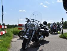 Motorrijder en bijrijder gewond naar het ziekenhuis na ongeluk met Harley bij Bemmel