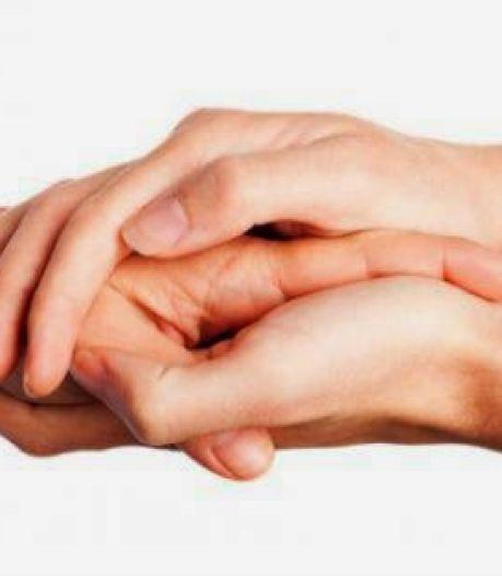 De sensatie als een hand van een onbekende toevallig langs je hand strijkt