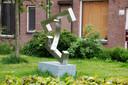 Het werk The Sun Also Rises van Matthew Filipowski,  goed verstopt in de Broerestraat.