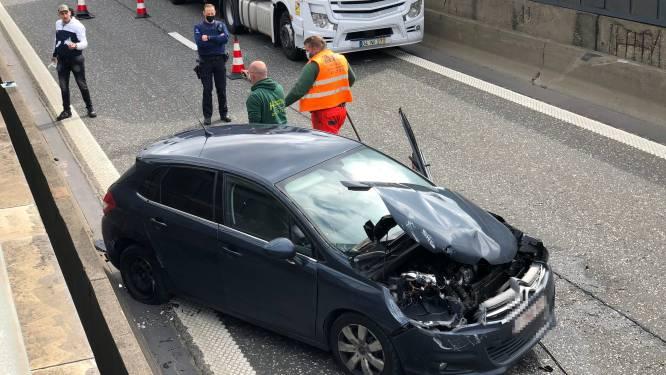 Kortstondig hinder bij Bevrijdingstunnel richting Antwerpen: baan ondertussen vrijgemaakt