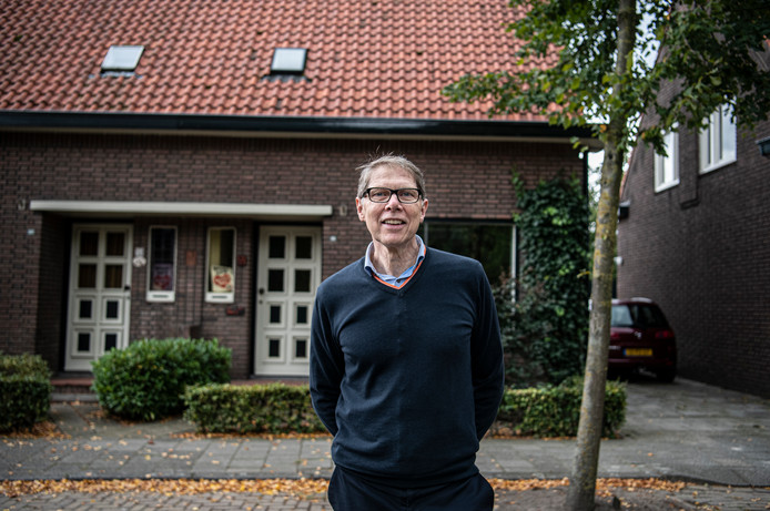 Wim Daniëls in Aarle-Rixtel, bij zijn ouderlijk huis.