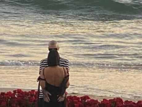 Gros diamant, roses et bougies: la demande en mariage romantique de Travis Barker à Kourtney Kardashian