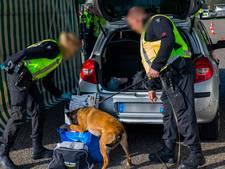 Pakketten met vermoedelijk harddrugs gevonden bij controle op A27 bij Hank