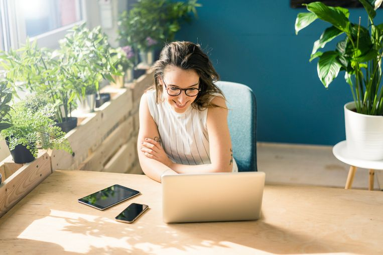 stress-op-de-werkvloer-zet-wat-planten-op-je-bureau.jpg