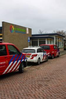 Basisschool in Maassluis ontruimd, leerlingen onwel door mysterieuze brandlucht