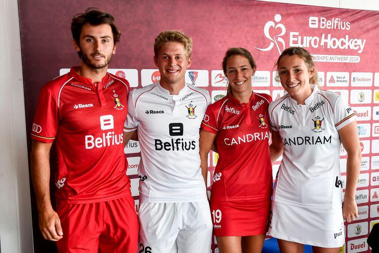 Arthur van Doren, Victor Wegnez, Barbara Nelen en Sophie Limauge tijdens de fotoshoot van vandaag.