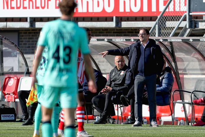Zeljko Petrovic geeft instructies tijdens Sparta - Willem II.