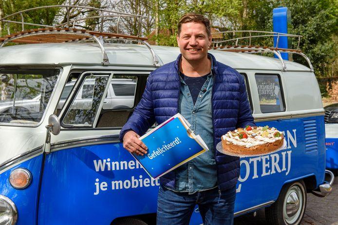Dennis van der Geest kon vanwege coronamaatregelen niet naar Borne komen.