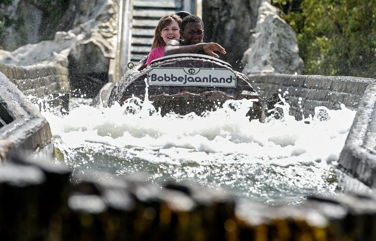 De boomstamattractie in Bobbejaanland Beeld Photo News