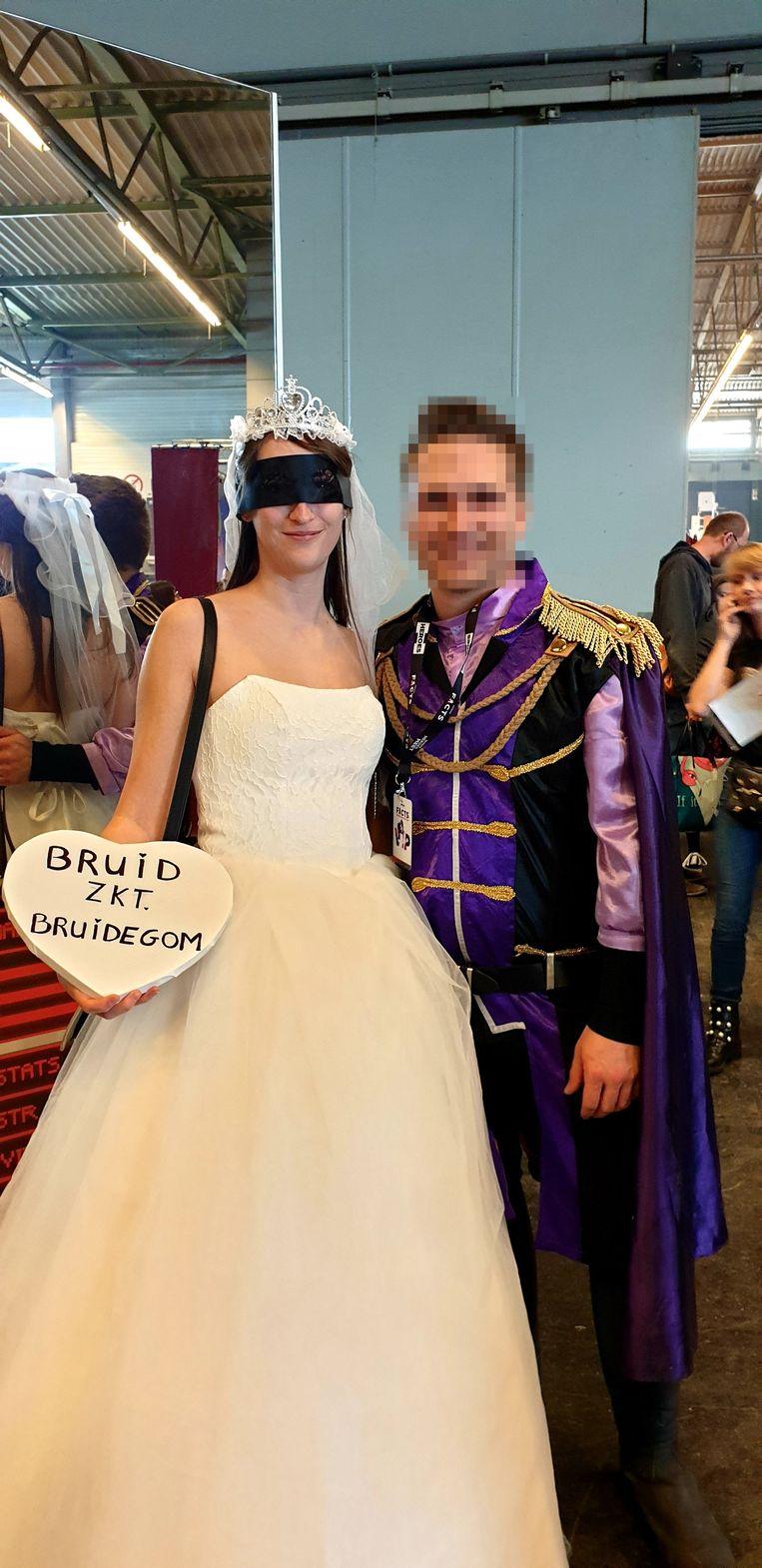 De blind getrouwde bruid en haar prins.