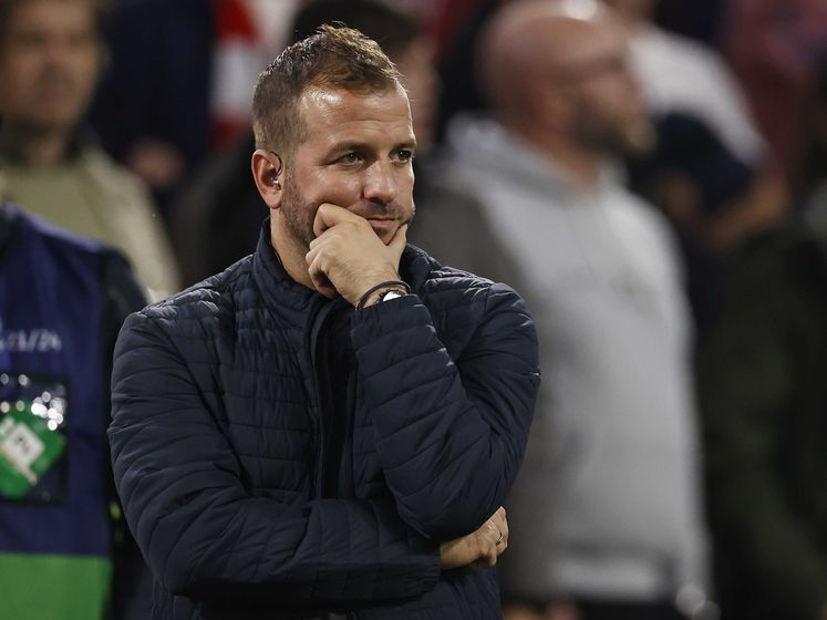 Van der Vaart lyrisch na voetbalshow Ajax: 'Leken wel kleine kinderen bij Dortmund'