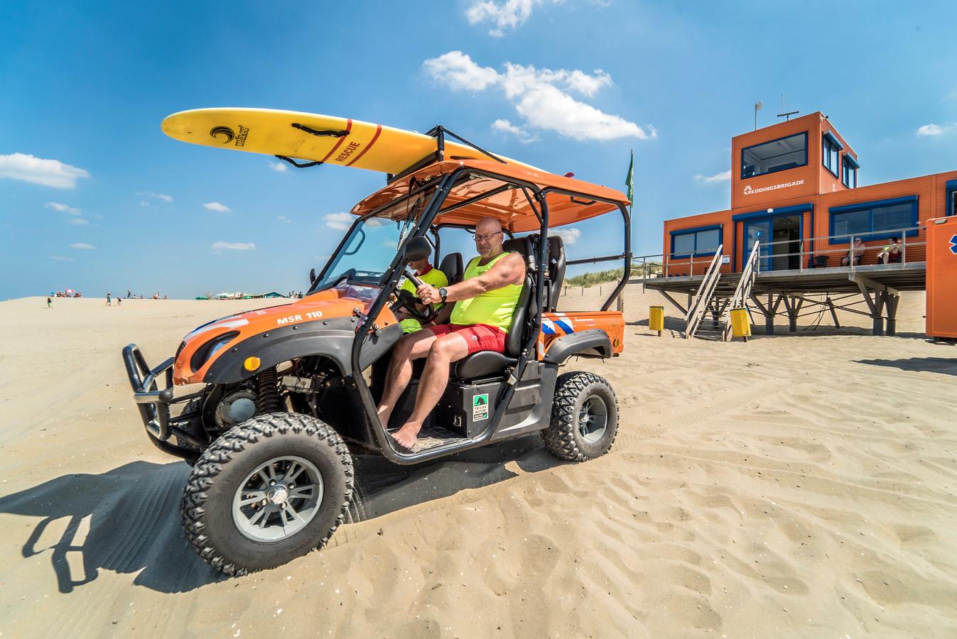 Devrijwilligers van de reddingsbrigade zijn weer paraat voor strandgangers bij Ter Heijde en Monster