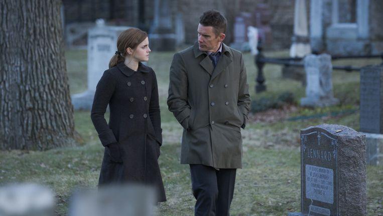 Emma Watson en Ethan Hawke in 'Regression'. Beeld rv