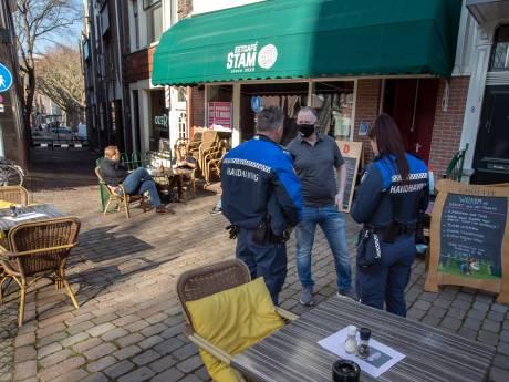 Gemeente Vlaardingen beëindigt horecaprotest waar wél bier gedronken kon worden: 'Het wordt te druk'