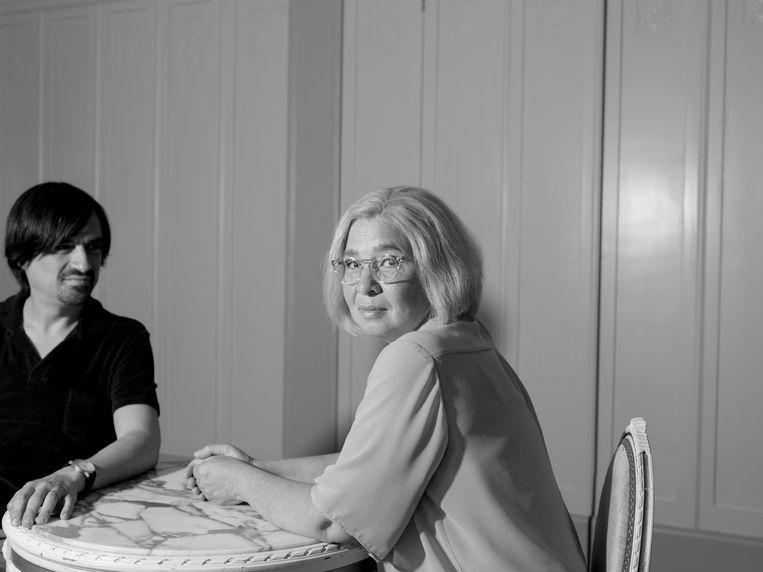 Eric de Vroedt over de vertolking van Esther Scheldwacht als zijn moeder: 'Het geeft me troost als ik haar op toneel hoor. Daar is ze weer.' Beeld Eva Roefs