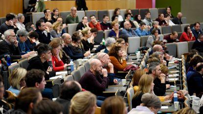 Vijfhonderd Antwerpenaren tekenen mee sociaal beleid in stad uit