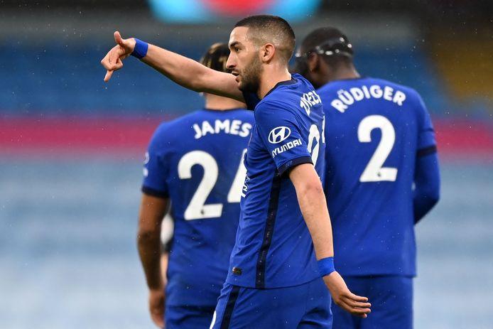 Hakim Ziyech viert de gelijkmaker tegen Manchester City.