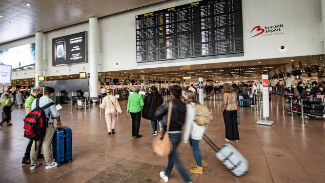 """Belgische reizigers laten zich niet afschrikken door rode zone: """"Van wie al geboekt heeft, haakt hoogstens één op de tien af"""""""