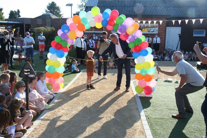 Burgemeester Johan Leysen kwam het verkeerspark officieel openen.