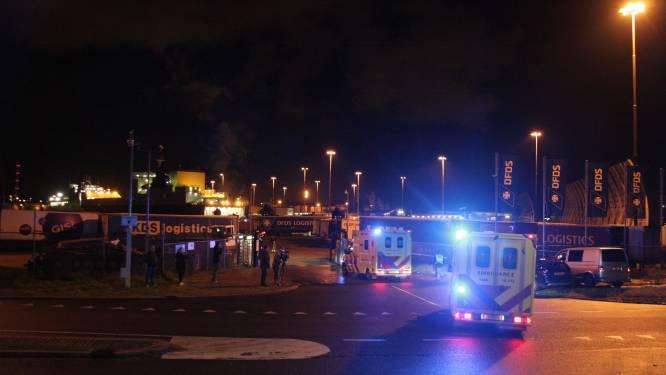 Nederlandse hulpdiensten massaal uitgerukt naar haven: 25 verstekelingen aangetroffen in koelcontainer