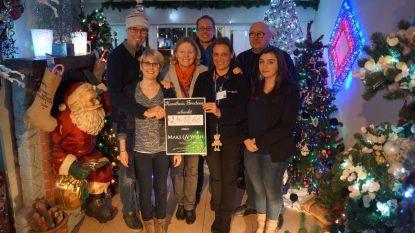 Kersthuis brengt 2.400 euro op voor Make-A-Wish