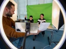 Presentatoren klaar, filmen maar: Tielse leerlingen voor de camera in week van het openbaar onderwijs