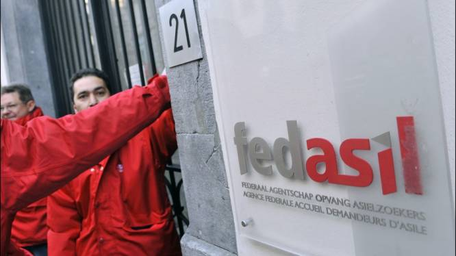 Vakbonden voeren actie voor Fedasil-centrum in Jumet