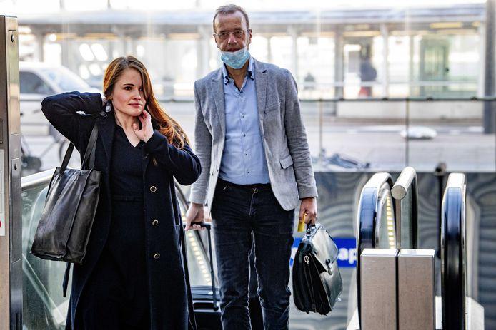 Journalist Ans Boersma en haar advocaat Marq Wijngaarden bij de rechtbank Rotterdam, vorige maand