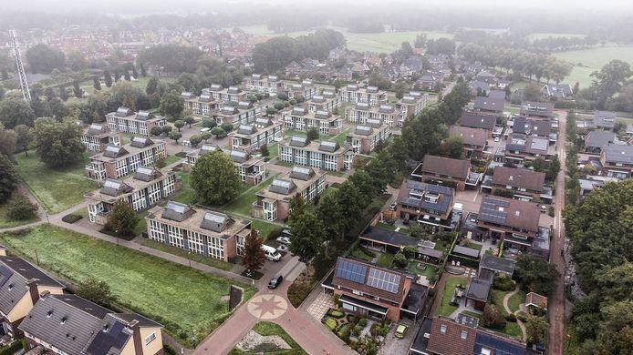 Het azc in Winterswijk met omliggende bebouwing.
