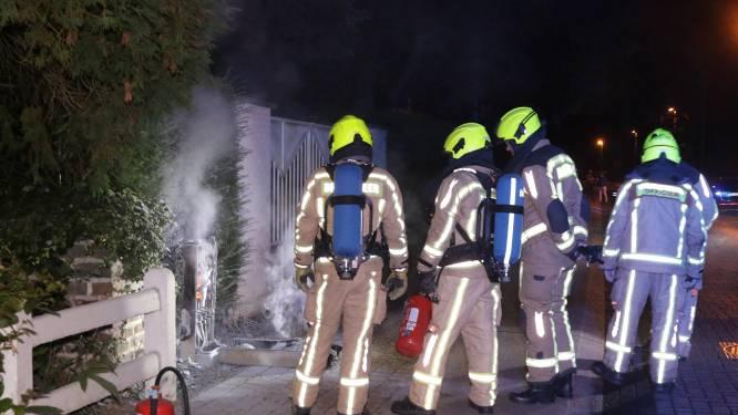 Elektriciteitscabine ontploft, enkele huizen in De Meulenaerstraat zonder elektriciteit