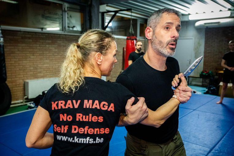 """Oprichter Steven Godfroid: """"Meer en meer vrouwen vinden de weg naar Krav Maga omdat iedereen deze technieken kan gebruiken, klein of groot, sterk of zwak."""""""