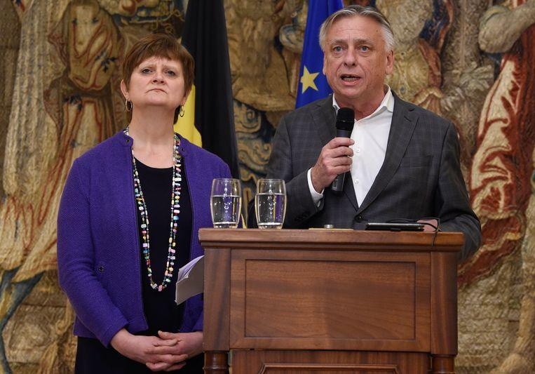 Koninklijk opdrachthouders Patrick Dewael (Open Vld) en Sabine Laruelle (MR). Beeld Photo News