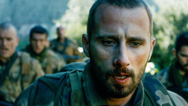 Matthias Schoenaerts als getraumatiseerde soldaat: blij dat hij nog eens zijn brute kracht kan tonen. Beeld rv
