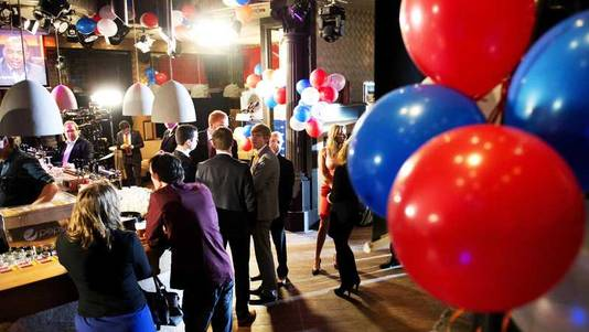 In Den Haag arriveren de eerste gasten op de PVV-bijeenkomst.
