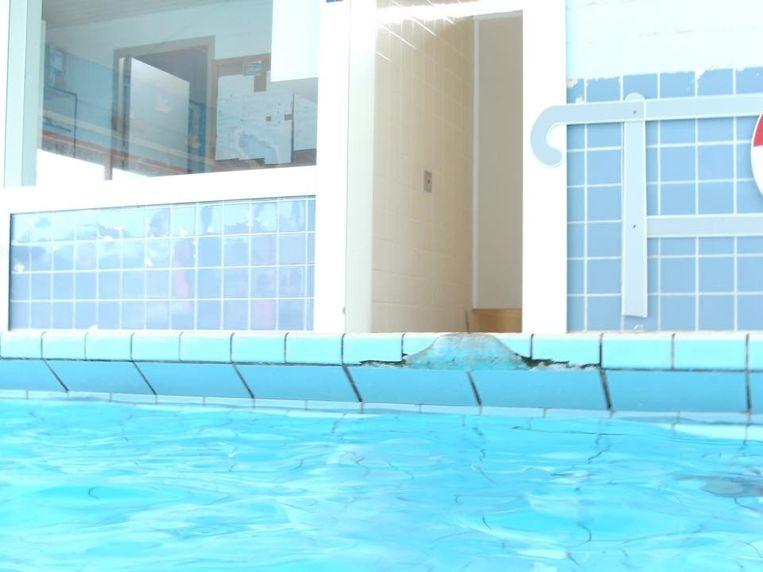 Toch een nieuw zwembad oostende regio hln for Zwembad tegels