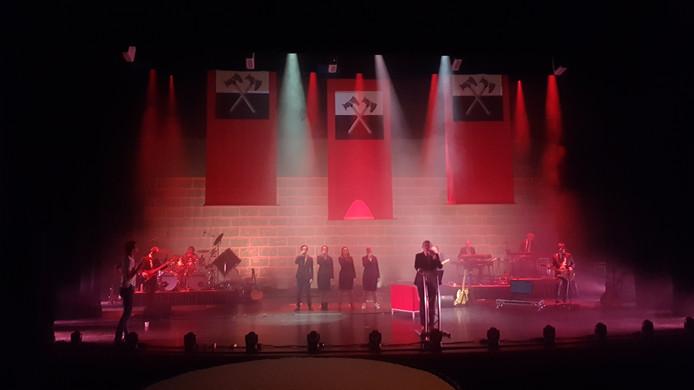 Pink Floyd Project voert The Wall uit. Foto Piet Douma