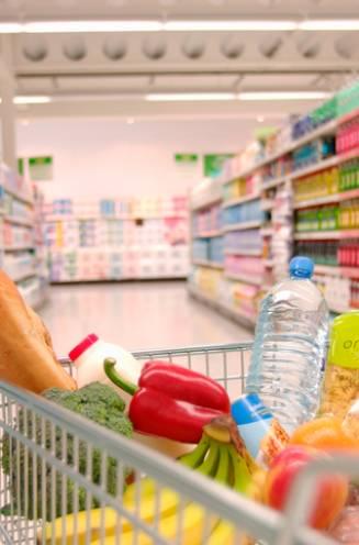"""Stijgende grondstofprijzen laten zich ook in de supermarkt voelen: """"Vanaf volgend jaar betaalt gemiddeld gezin 300 euro meer per jaar"""""""