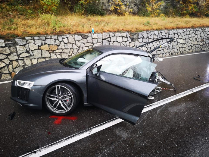 Deze Audi Is Gehalveerd Na Botsing Auto Ad Nl